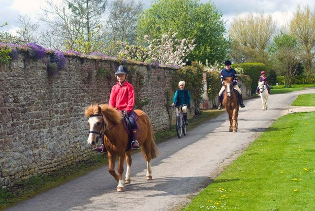 Horse Riding at Longworth Manor